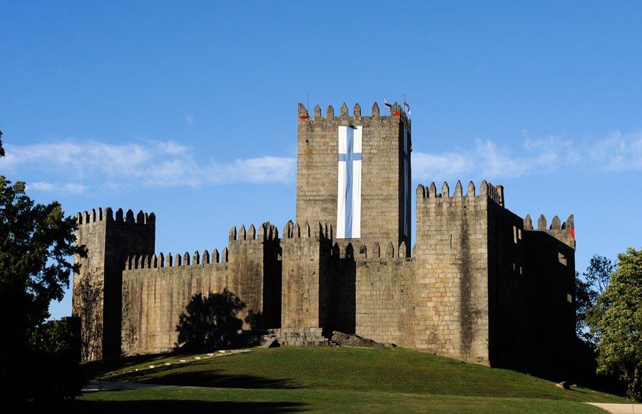 Resultado de imagen de castillo de guimaraes