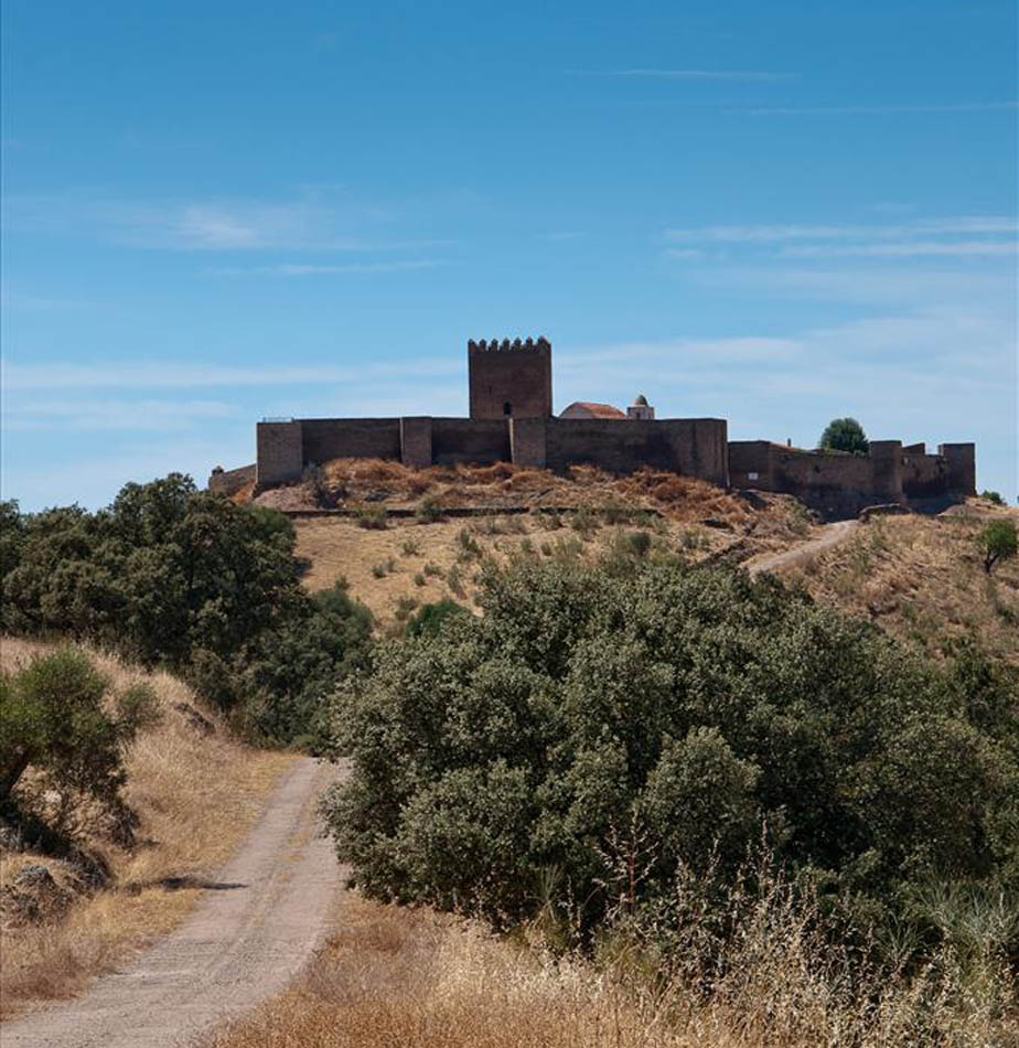 castillo de noudar alentejo portugal