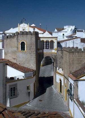 Largo de Santa Clara, Elvas