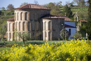 Castro de Avelãs Monastery