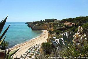 Praia da Cova Redonda Beach, Lagoa, Algarve