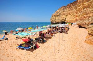 Praia de Vale Centeanes Beach, Lagoa, Algarve