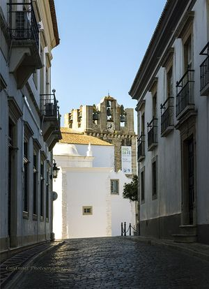 Ruas e a Sé de Faro
