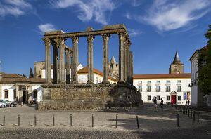 Templo Romano de Diana, Évora